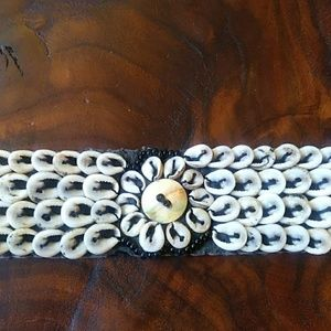 Jewelry - Cowrie Collar